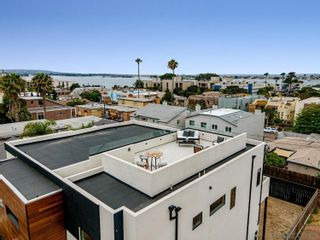 Photo 4: PACIFIC BEACH House for sale : 4 bedrooms : 4056 Haines St in San Diego