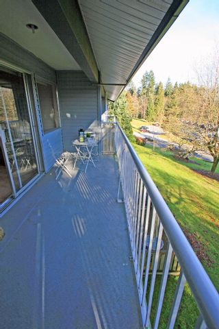 """Photo 11: 1053 CECILE Drive in Port Moody: College Park PM Townhouse for sale in """"CECILE HEIGHTS"""" : MLS®# V931590"""