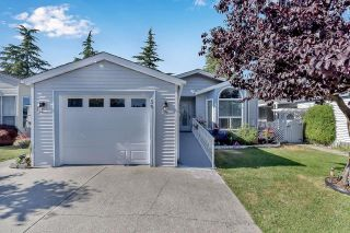 """Photo 1: 39 2345 CRANLEY Drive in Surrey: King George Corridor Manufactured Home for sale in """"LA MESA"""" (South Surrey White Rock)  : MLS®# R2601872"""