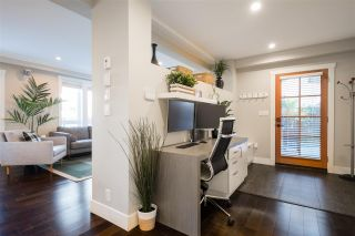 "Photo 2: 2 2435 W 1ST Avenue in Vancouver: Kitsilano Condo for sale in ""FIRST AVENUE MEWS"" (Vancouver West)  : MLS®# R2535166"