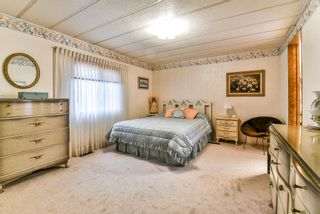 """Photo 15: 91 2303 CRANLEY Drive in Surrey: King George Corridor Manufactured Home for sale in """"Sunnyside"""" (South Surrey White Rock)  : MLS®# R2237731"""