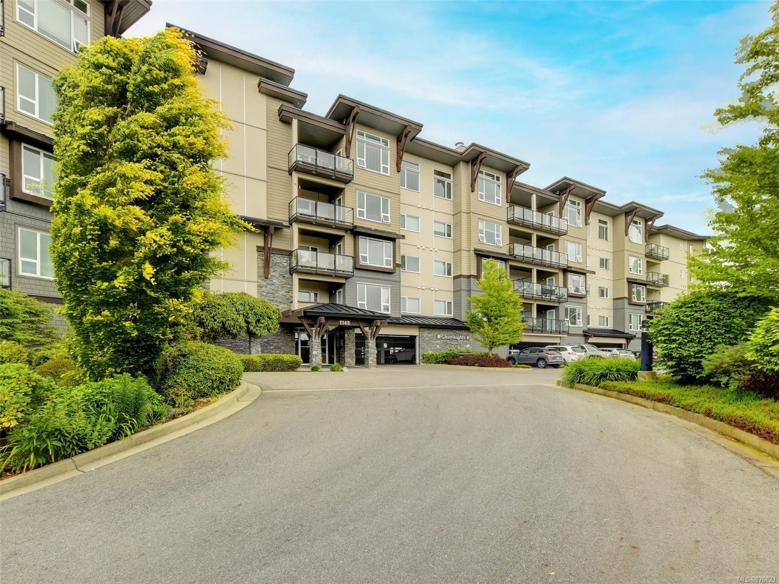 Main Photo: 402 1145 Sikorsky Rd in : La Westhills Condo for sale (Langford)  : MLS®# 876823