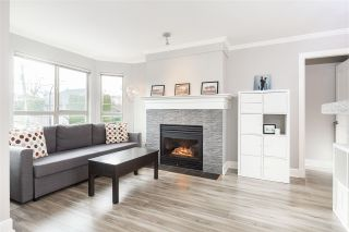 """Photo 4: 207 3615 W 17TH Avenue in Vancouver: Dunbar Condo for sale in """"Pacific Terrace"""" (Vancouver West)  : MLS®# R2426507"""