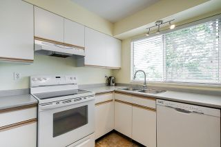 """Photo 6: 8 3087 IMMEL Street in Abbotsford: Central Abbotsford Townhouse for sale in """"Clayburn Estates"""" : MLS®# R2368944"""