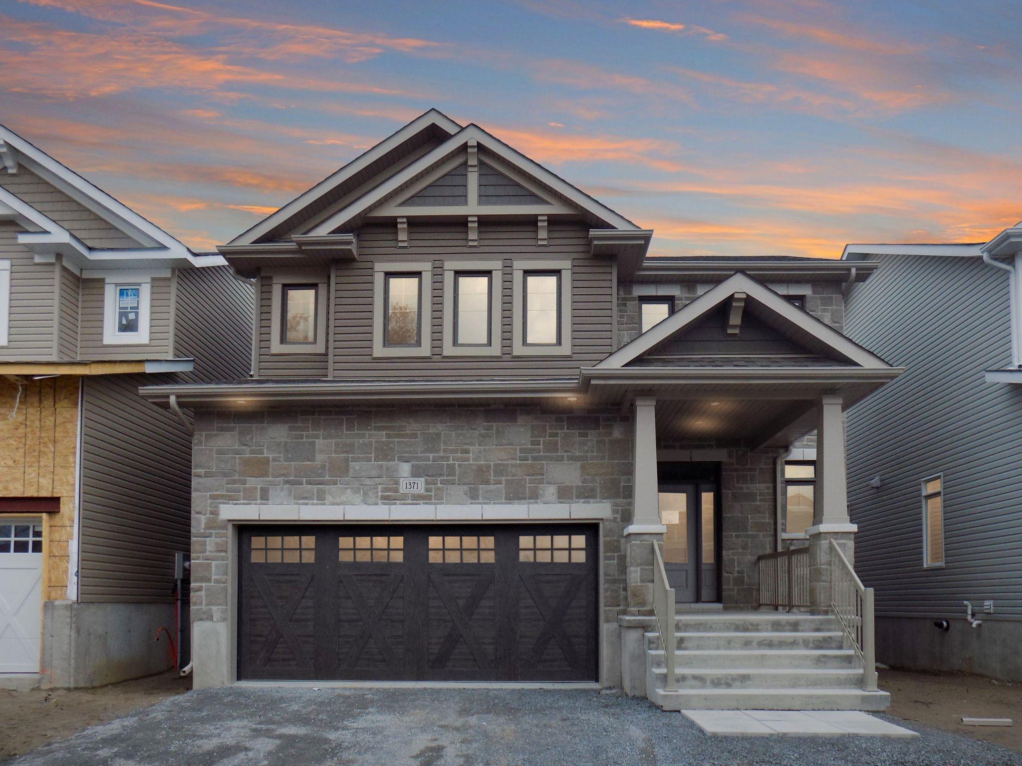 Main Photo: 1371 ANDERSEN Drive in Kingston: House for sale (42 - City Northwest)  : MLS®# K21001248