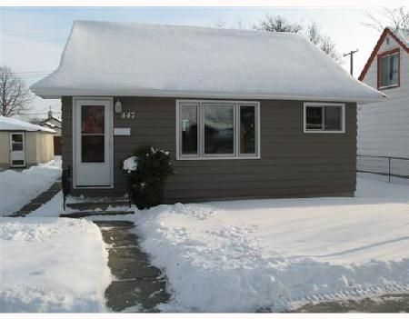 Main Photo: 447 MINNIGAFFE ST.: Residential for sale (North End)  : MLS®# 2720487