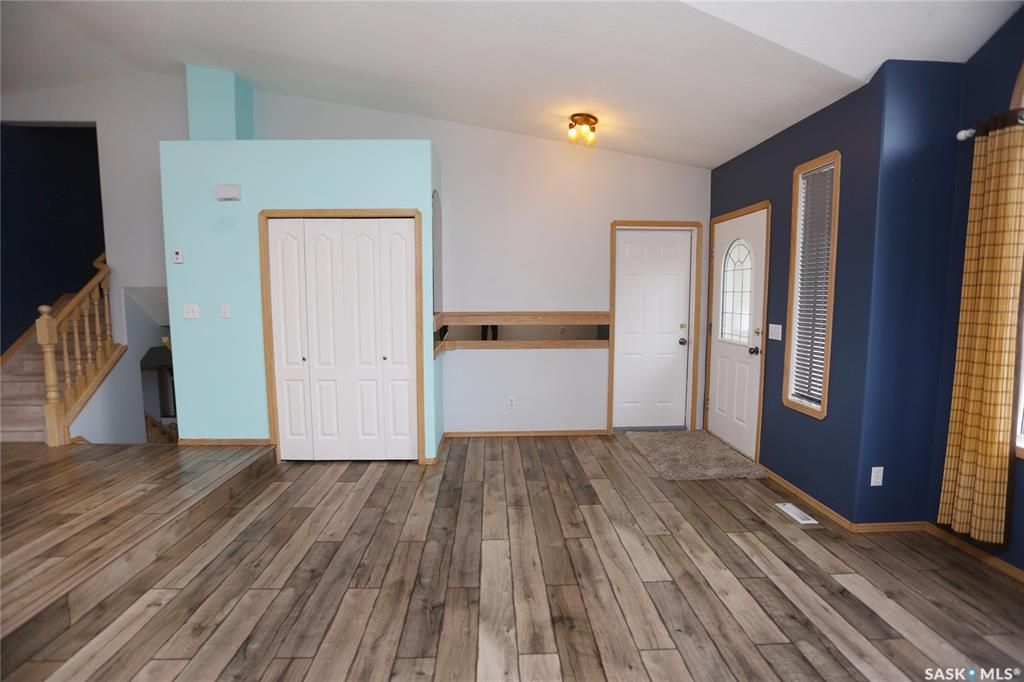 Photo 7: Photos: 206 1st Avenue North in Warman: Residential for sale : MLS®# SK796281