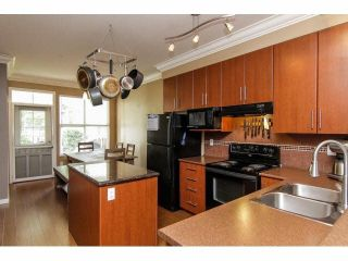 """Photo 7: 52 20460 66TH Avenue in Langley: Willoughby Heights Townhouse for sale in """"WILLOWS EDGE"""" : MLS®# F1418966"""