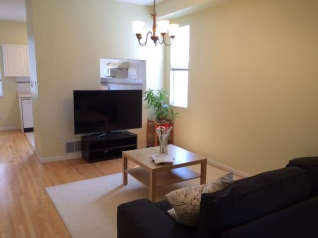"""Photo 3: Photos: 3 6833 LIVINGSTONE Place in Richmond: Granville Townhouse for sale in """"GRANVILLE PARK"""" : MLS®# V1136341"""