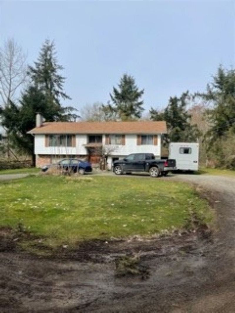 FEATURED LISTING: 25345 40 Avenue Langley