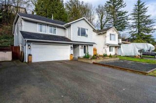 Photo 1: 8621 CHILLIWACK MOUNTAIN Road in Chilliwack: Chilliwack Mountain House for sale : MLS®# R2525932