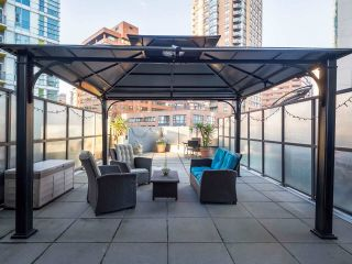"""Photo 3: 304 1212 HOWE Street in Vancouver: Downtown VW Condo for sale in """"1212 HOWE by Wall Financial"""" (Vancouver West)  : MLS®# R2221746"""