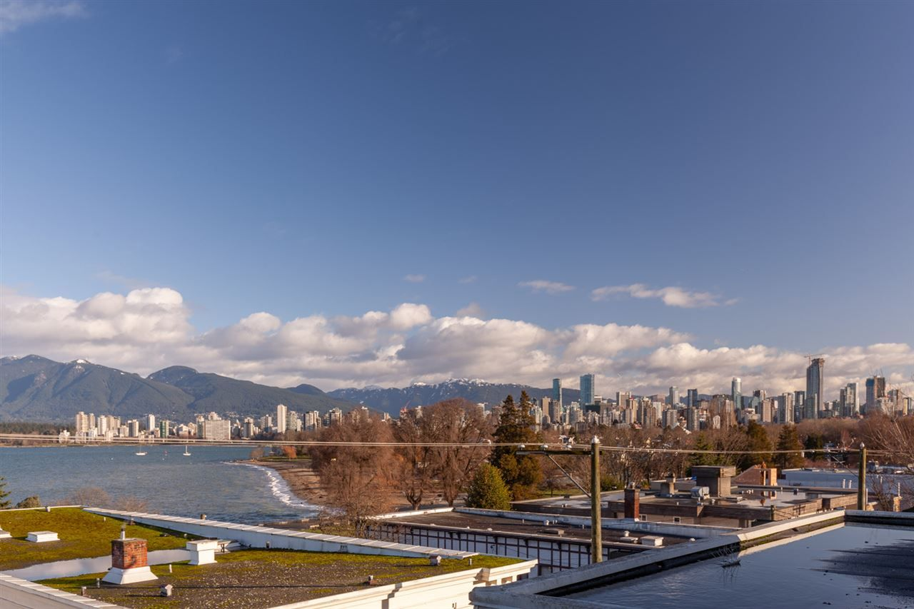 "Photo 2: Photos: 11 1535 VINE Street in Vancouver: Kitsilano Condo for sale in ""Vine Grove"" (Vancouver West)  : MLS®# R2530154"
