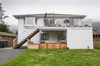 Photo 2: 38812 NEWPORT Road in Squamish: Dentville House for sale : MLS®# R2510331