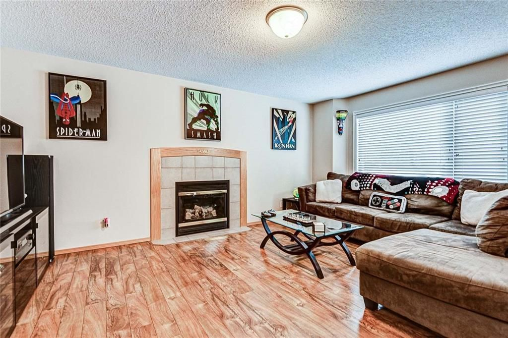 Photo 3: Photos: 25 THORNLEIGH Way SE: Airdrie Detached for sale : MLS®# C4282676