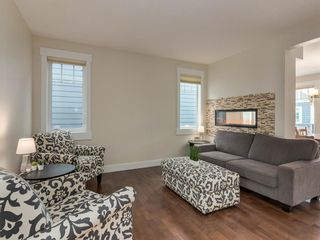 Photo 5: 3808 SARCEE Road SW in Calgary: Currie Barracks Detached for sale : MLS®# A1028243