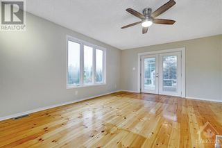 Photo 13: 24 CHARING ROAD in Ottawa: House for sale : MLS®# 1257303