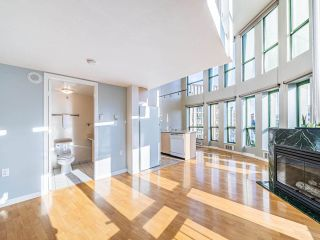 """Photo 2: 503 1 E CORDOVA Street in Vancouver: Downtown VE Condo for sale in """"CARRALL STATION"""" (Vancouver East)  : MLS®# R2583690"""