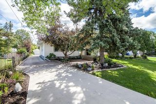 Photo 34: 827 Pepperloaf Crescent in Winnipeg: Charleswood Residential for sale (1G)  : MLS®# 202122244