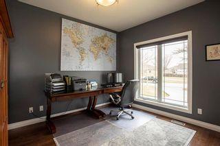 Photo 15: 372 Oak Forest Crescent in Winnipeg: The Oaks Residential for sale (5W)  : MLS®# 202108600