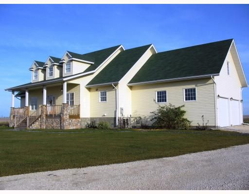 Main Photo:  in GRANDEPT: South St Vital Residential for sale (South East Winnipeg)  : MLS®# 2903197