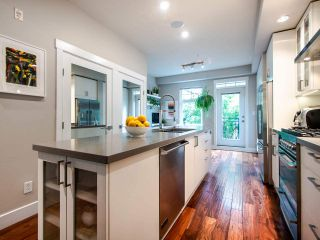 """Photo 11: 507 E 7TH Avenue in Vancouver: Mount Pleasant VE Townhouse for sale in """"Vantage"""" (Vancouver East)  : MLS®# R2472829"""