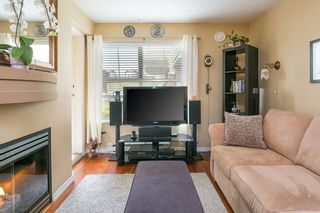 """Photo 2: 322 332 LONSDALE Avenue in North Vancouver: Lower Lonsdale Condo for sale in """"CALYPSO"""" : MLS®# R2275459"""
