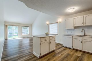 Photo 10: 150 Somervale Point SW in Calgary: Somerset Row/Townhouse for sale : MLS®# A1130189