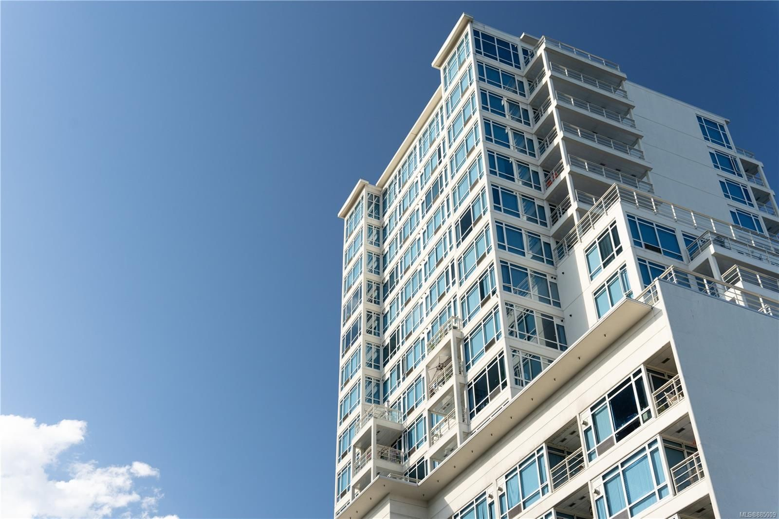 Main Photo: 403 38 Front St in Nanaimo: Na Old City Condo for sale : MLS®# 885009