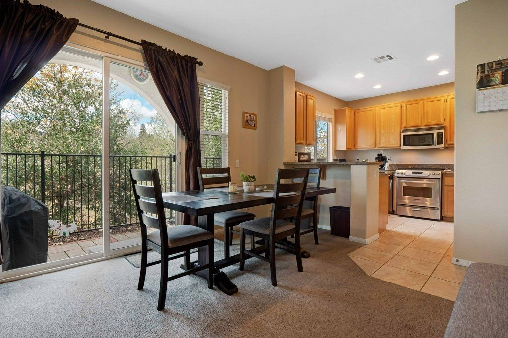 Photo 7: Photos: NATIONAL CITY House for sale : 3 bedrooms : 4102 Verde View