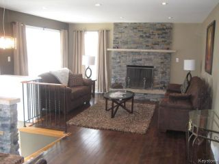Photo 8: 305 Bonner Avenue in WINNIPEG: North Kildonan Residential for sale (North East Winnipeg)  : MLS®# 1510269