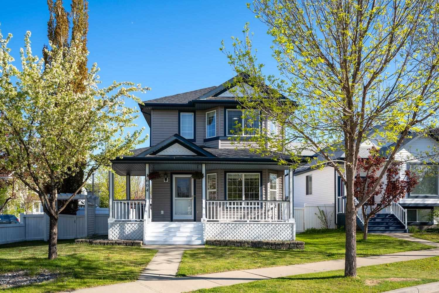 Main Photo: 1604 TOMPKINS Place in Edmonton: Zone 14 House for sale : MLS®# E4255154