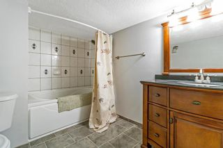 Photo 32: 143 Silver Brook Road NW in Calgary: Silver Springs Detached for sale : MLS®# A1141284