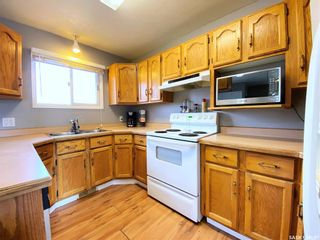 Photo 10: 405 McGillivray Street in Outlook: Residential for sale : MLS®# SK854940