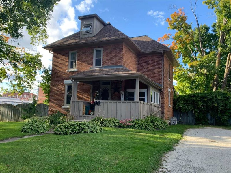 FEATURED LISTING: 228 Andrew Street Shelburne