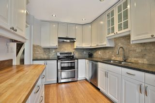 Photo 6: 7 3122 Lakeshore Road West in Oakville: Condo for sale : MLS®# 30762793