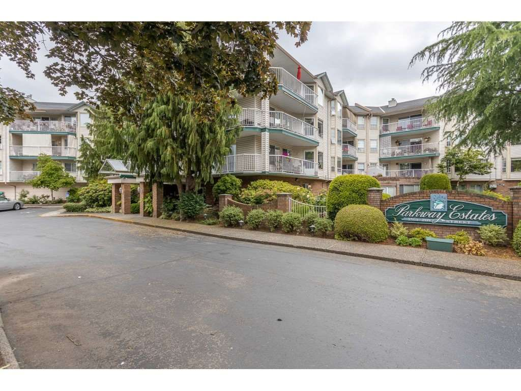 """Main Photo: 310 5360 205 Street in Langley: Langley City Condo for sale in """"PARKWAY ESTATES"""" : MLS®# R2515789"""