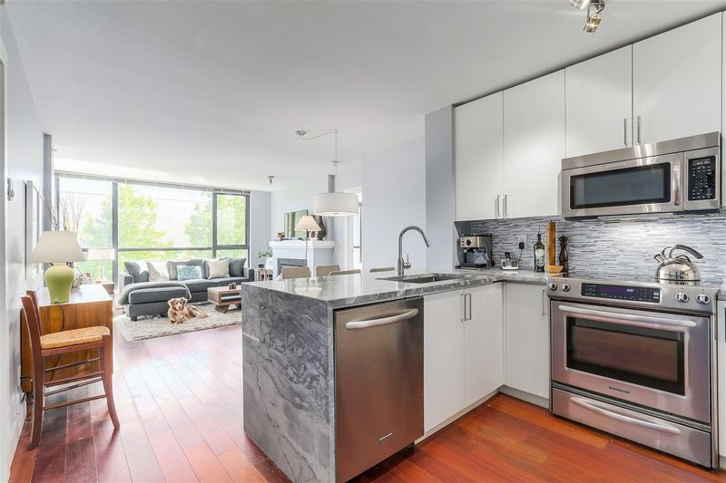FEATURED LISTING: 405 - 2036 10TH Avenue West Vancouver