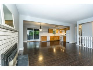 Photo 1: 20250 48 AVENUE in Langley: Langley City Home for sale ()  : MLS®# R2305434