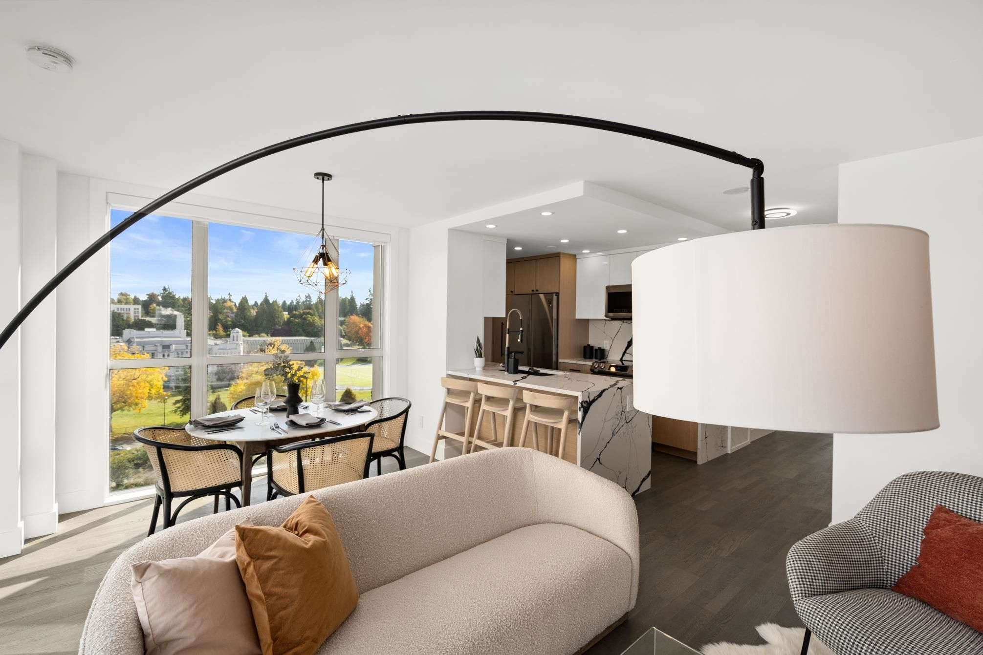 """Main Photo: 1001 2121 W 38TH Avenue in Vancouver: Kerrisdale Condo for sale in """"ASHLEIGH COURT"""" (Vancouver West)  : MLS®# R2624488"""