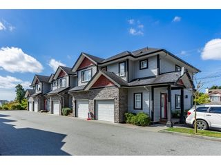 "Photo 1: 15 31235 UPPER MACLURE Road in Abbotsford: Abbotsford West Townhouse for sale in ""KLAZINA ESTATES"" : MLS®# R2492270"