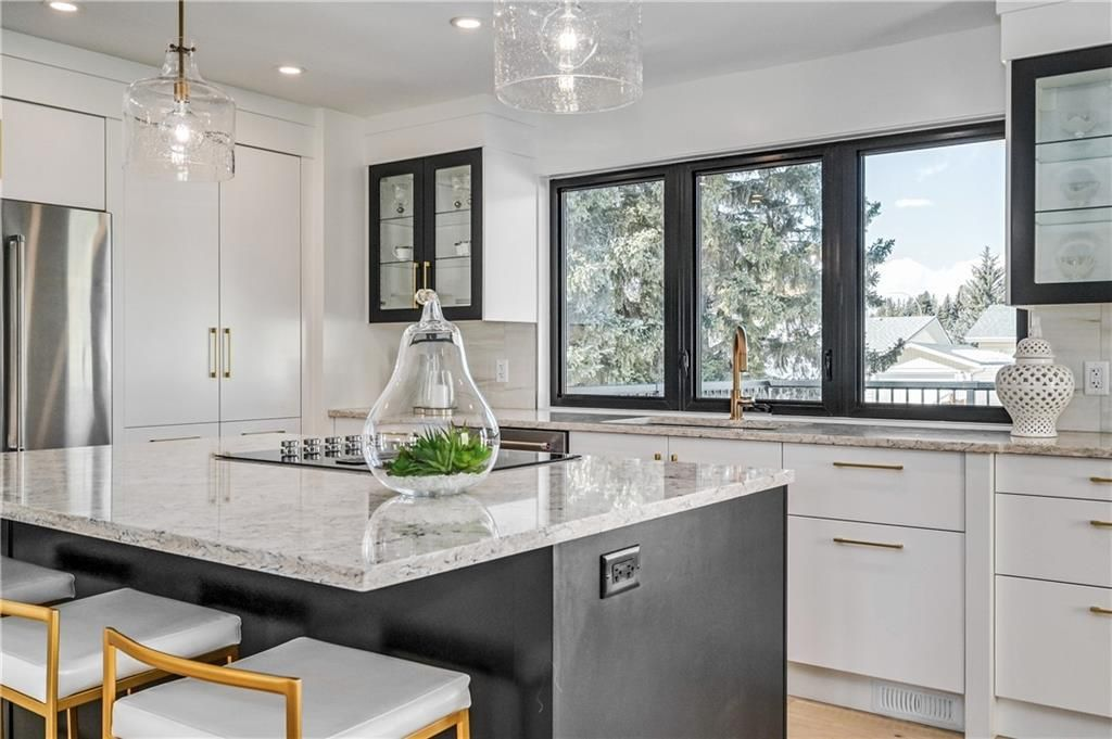 Photo 10: Photos: 5039 BULYEA Road NW in Calgary: Brentwood Detached for sale : MLS®# A1047047