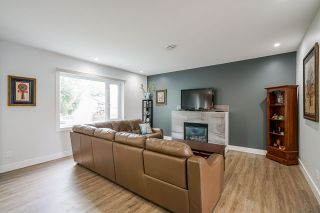 """Photo 8: 2858 269 Street in Langley: Aldergrove Langley House for sale in """"BETTY GILBERT AREA"""" : MLS®# R2457000"""