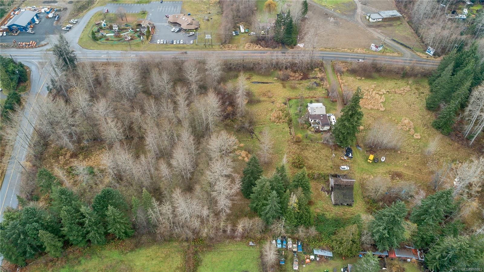 Photo 13: Photos: 8712 N Island Hwy in : CV Merville Black Creek Other for sale (Comox Valley)  : MLS®# 860803