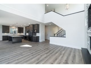 """Photo 5: 40 4295 OLD CLAYBURN Road in Abbotsford: Abbotsford East House for sale in """"Sunspring Estates"""" : MLS®# R2448385"""