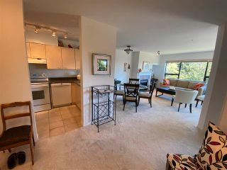 """Photo 8: 403 5855 COWRIE Street in Sechelt: Sechelt District Condo for sale in """"THE OSPREY"""" (Sunshine Coast)  : MLS®# R2581571"""