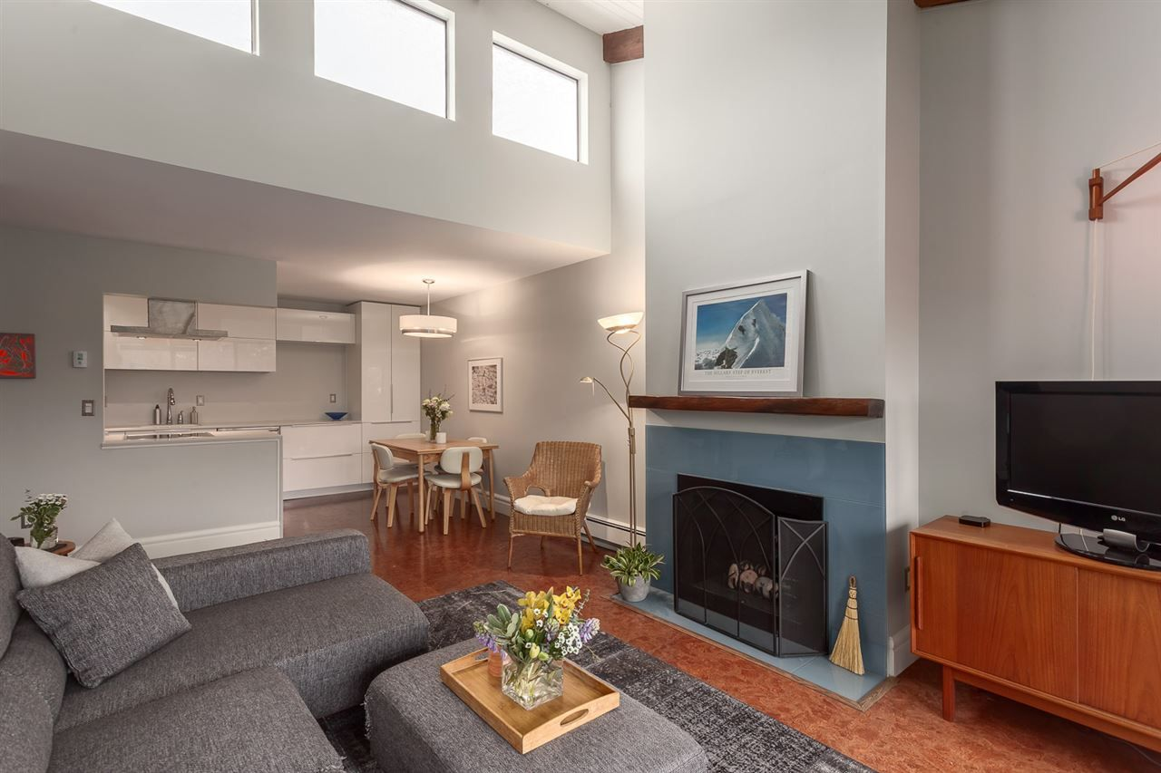 Main Photo: 310 330 E 7TH AVENUE in : Mount Pleasant VE Condo for sale (Vancouver East)  : MLS®# R2138257