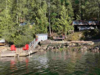 Photo 2: 7701 TUWANEK Trail in Sechelt: Sechelt District House for sale (Sunshine Coast)  : MLS®# R2565079