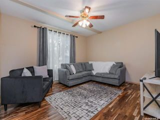 Photo 5: 214 E Avenue North in Saskatoon: Caswell Hill Residential for sale : MLS®# SK858863