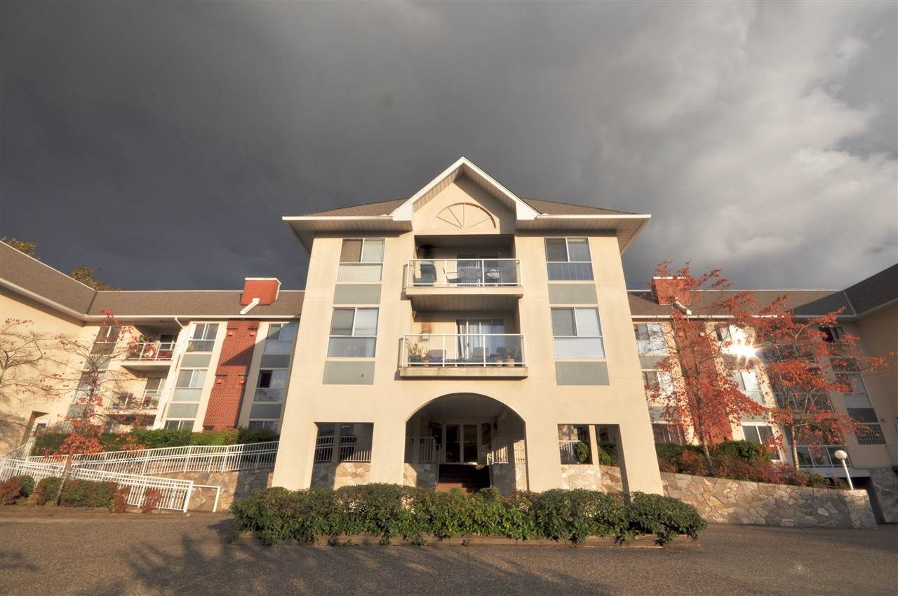 "Main Photo: 310 19835 64 Avenue in Langley: Willoughby Heights Condo for sale in ""Willowbrook Gate"" : MLS®# R2512847"
